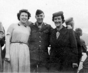 On Loch Lomond steamer, Sept 1944.png Len, Ed and Mum