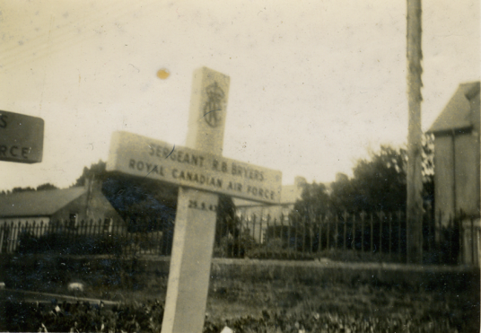 Sgt RB Bryers 1943, grave