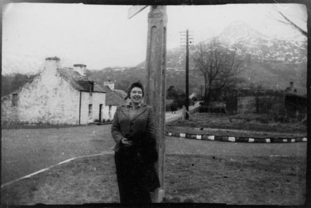 Len, Glencoe village, Feb 1945 png