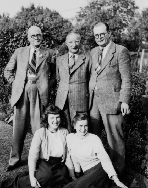 Len, Lyn, Noel's Dad png