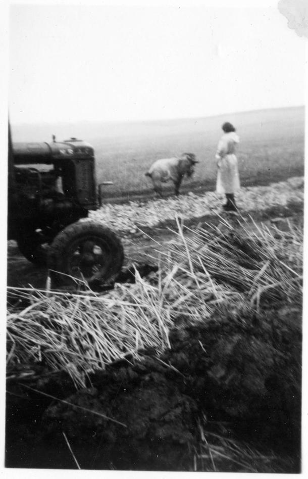 4:spud job-tractor png